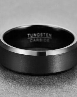 Anneau 8mm en carbure de tungstene couleur noir profond aspect brossé style original et unique