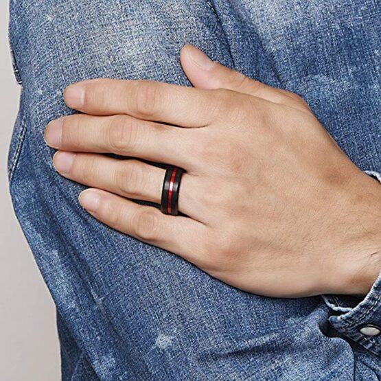 Anneau 8mm en carbure de tungstene couleur noire carbone et titane avec ligne rouge aspect poli