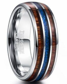 Anneau argenté en carbure de tungstène aspect titane avec fibre de carbone bleu et décoration bois en incrustation collection titanium