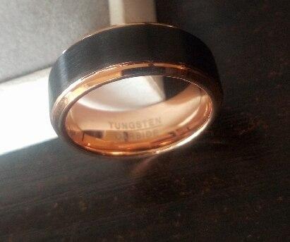 anneau ou bague homme en carbure de tungstène de couleur noir et or mode et tendance 2021
